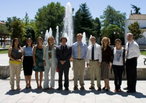 The Imagewest International team gathers with the clients in Villanueva de la Cañada after presenting their work.