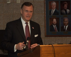 "WKU President Gary Ransdell said: ""WKU is grateful to the Central Kentucky Community Foundation for the land and proud to be invited to be a partner with Hardin County Schools and ECTC in this Early College and Career Center. What a great complement to the Central Region Postsecondary Center created in Elizabethtown by the Kentucky General Assembly in 1998."" (WKU photo by Bob Skipper)"