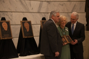 Education Commissioner Terry Holliday (left) and Gov. Steve Beshear presented Juanita Park with the Kentucky Teacher Hall of Fame award. (WKU photo by Clinton Lewis)