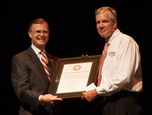 WKU President Gary Ransdell presented the Spirit of WKU Award to Jeff Younglove. (WKU photo by Clinton Lewis)
