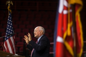 Dr. James Maas spoke to the Freshman Assembly as part of his visit to WKU on Sept. 4. (WKU photo by Bryan Lemon)
