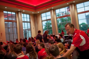 WKU President Gary Ransdell greeted students at the Welcome Program for Commuter Students on Aug. 17.