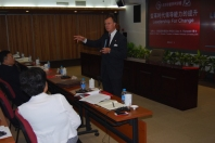 WKU President Gary Ransdell spoke to staff at the Hanban/Confucius Institute Headquarters.