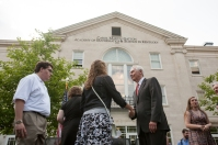 Gov. Steve Beshear visits with students.