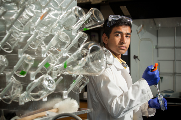 Harsh Moolani of Owensboro will research at WKU's Department of Chemistry under the mentorship of Dr. Rajalingam Dakshinamurthy. (WKU photo by Clinton Lewis)