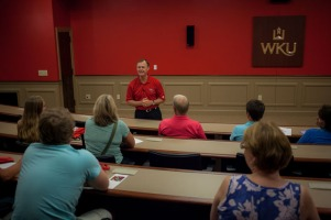 President Gary Ransdell led a WKU campus tour on Aug. 5.