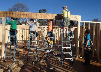 WKU Habitat chapter sending group to Nor...