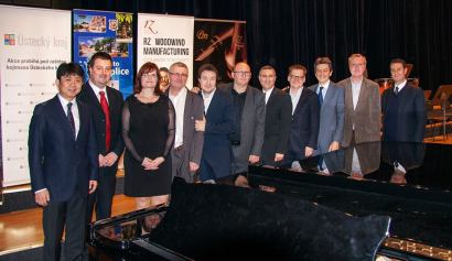 WKU Music Professor John Cipolla (fifth from right) was among the judges at a recent international clarinet competition in the Czech Republic.