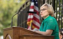 Dr. Julia Roberts